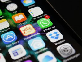 How to block a whatsapp group from adding you