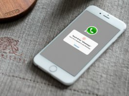 iPhone WhatsApp TouchID Face Lock