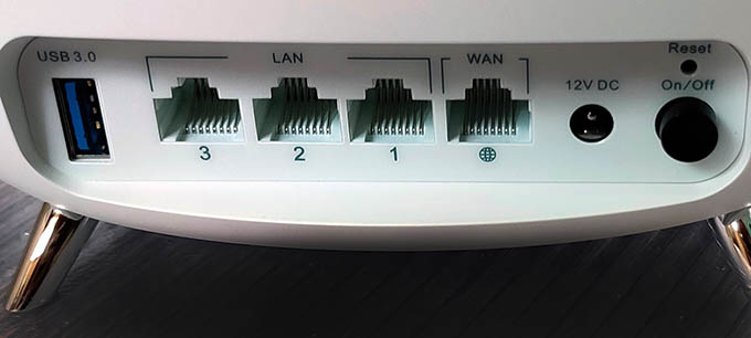 TaoTronics WiFi Mesh Router Ports