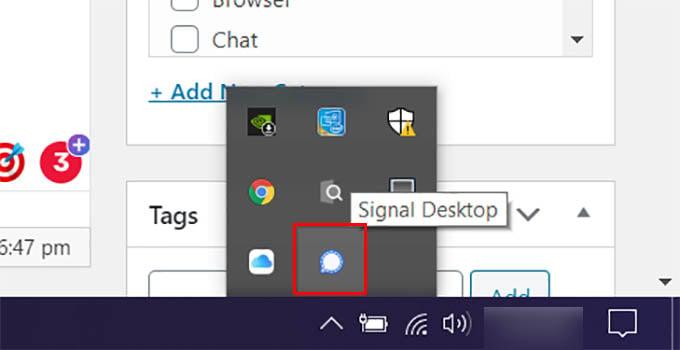 Signal Desktop in Windows 10 System Tray