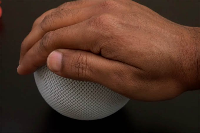 Quickly Silence HomePod mini speaker