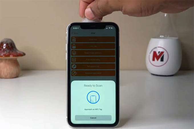 Scan NFC on iPhone