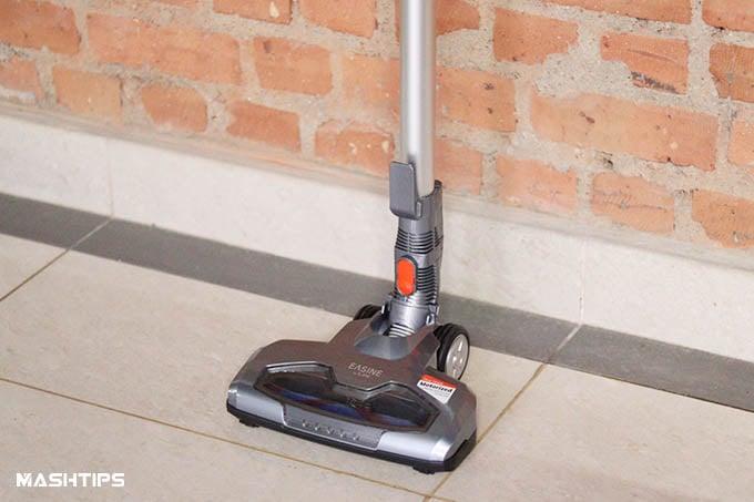 iLife Easine H55 Cordless Vacuum on Floor