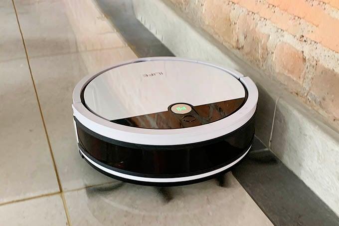 iLife V9e Robot Vacuum Edge Cleaning Mode