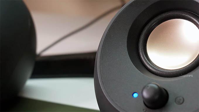 Creative Pebble V3 Minimalistic 2.0 USB-C Desktop Speakers