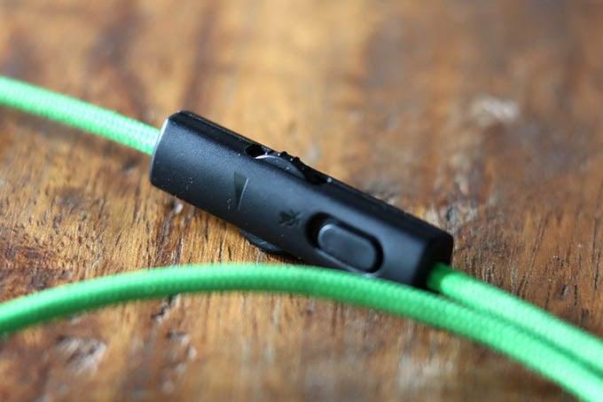 Razer Kraken Tournament Edition Wired Gaming Headset Mute and Volume Control