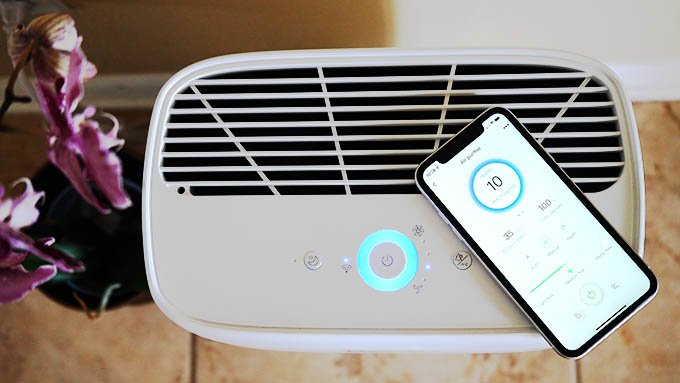 Zigma Smart WiFi Air Purifier Top Design and Control Buttons